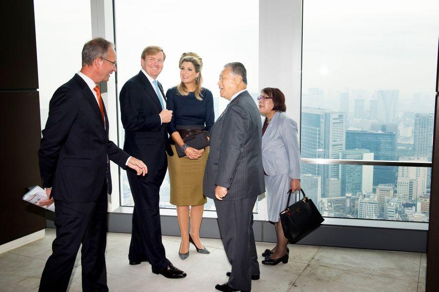 Le roi Willem-Alexander des Pays-Bas et la reine Maxima assistent à une réunion sur «TOKYO 2020», le 31 octobre 2014
