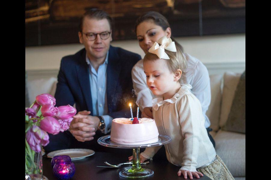 La princesse Estelle de Suède fête son second anniversaire, en 2014