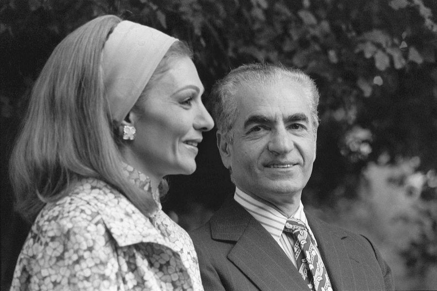 Le chah d'Iran Mohammad Reza Pahlavi et la chahbanou Farah Diba à Marrakech, le 24 janvier 1979