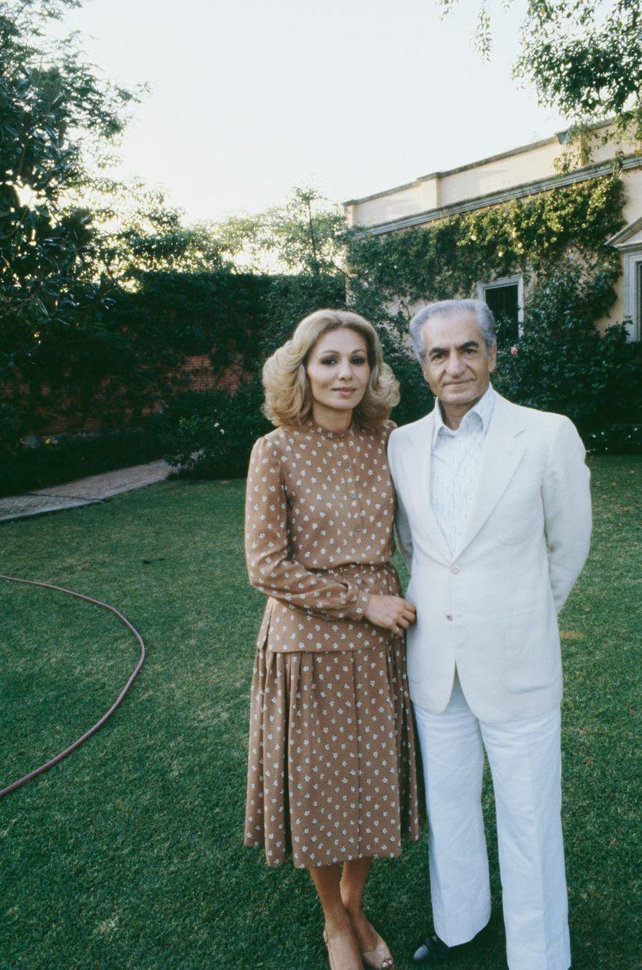 Le chah d'Iran Mohammad Reza Pahlavi et la chahbanou Farah Diba à Cuernavaca, le 14 décembre 1979