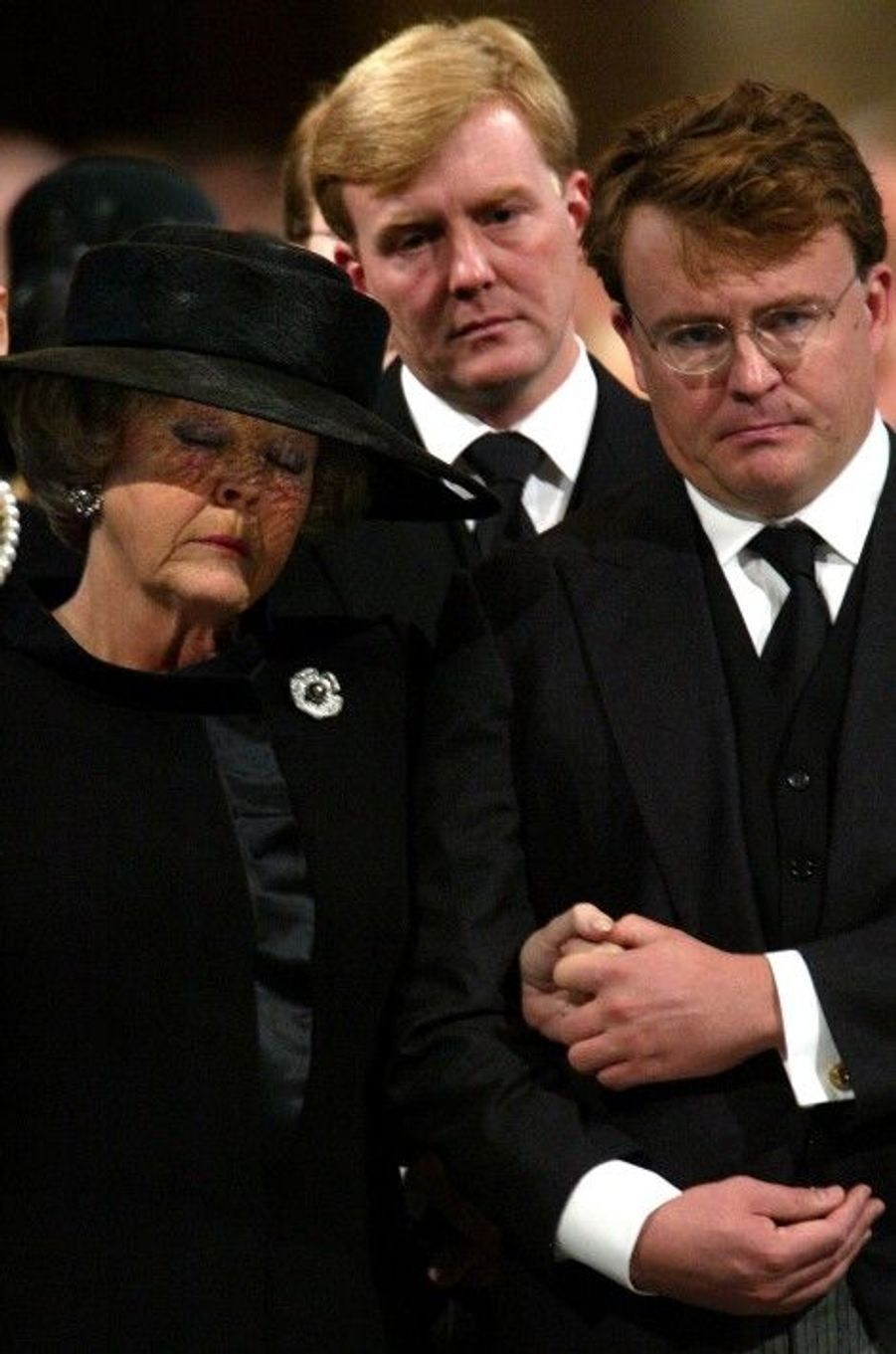 Aux funérailles de son père le prince Claus, en octobre 2002