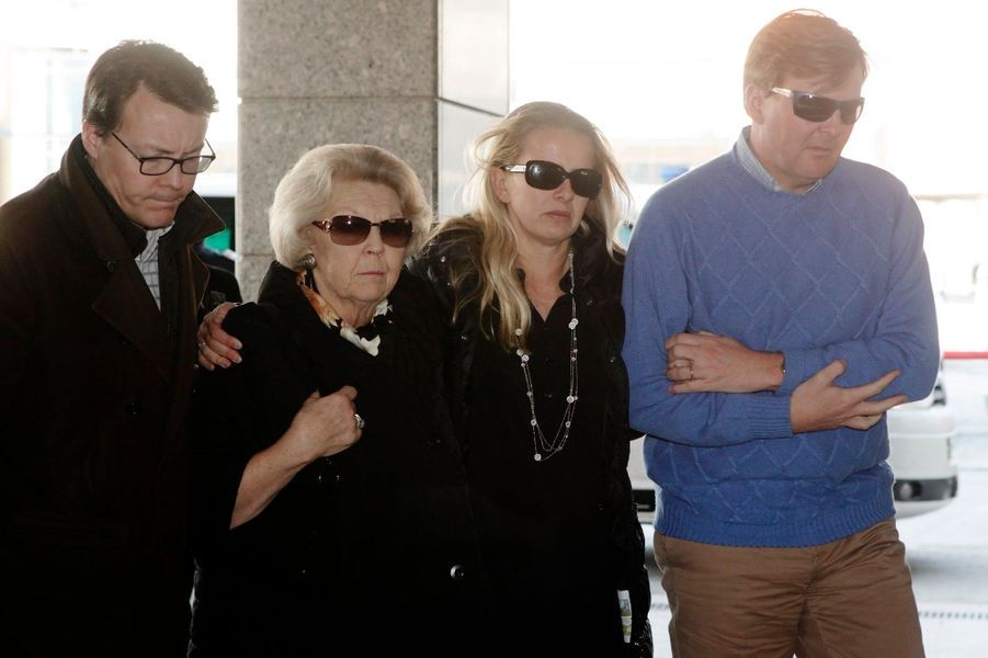 Sa famille à son chevet au lendemain de l'accident, en février 2012