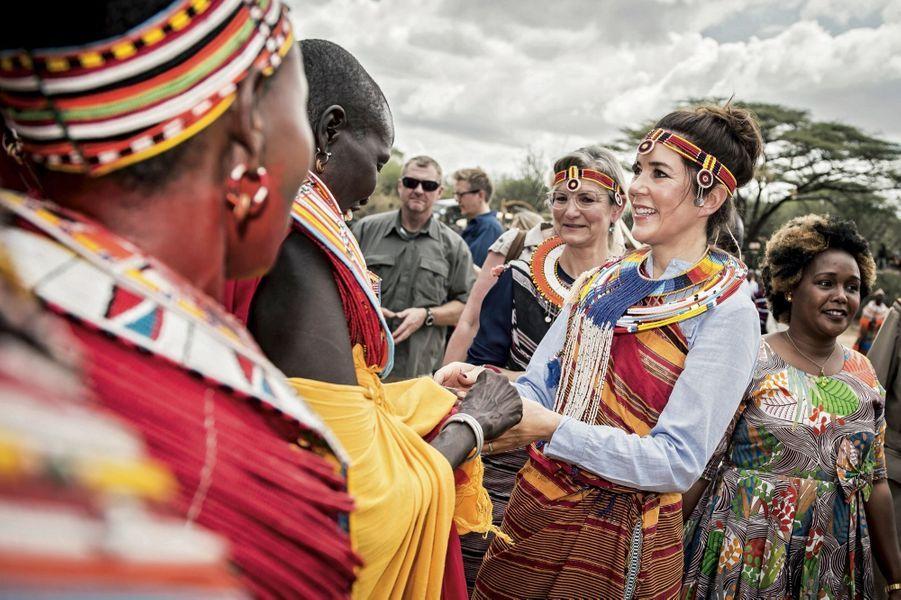 Mary de Danemark chez les Samburu au Kenya, en novembre 2018