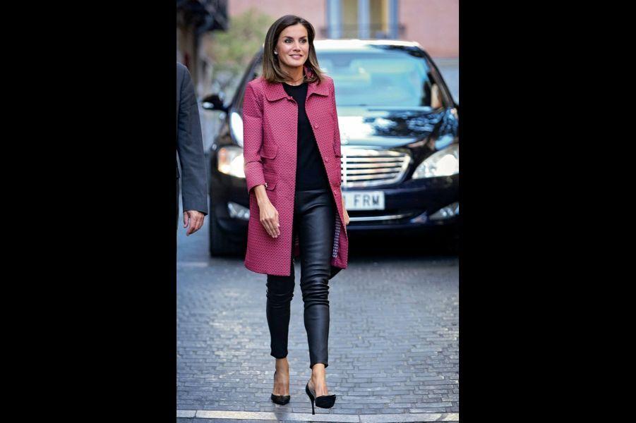 La journaliste. Elle n'a pas attendu d'épouser Felipe pour se faire connaître des Espagnols. De 1999 et 2004, Letizia a présenté le JT