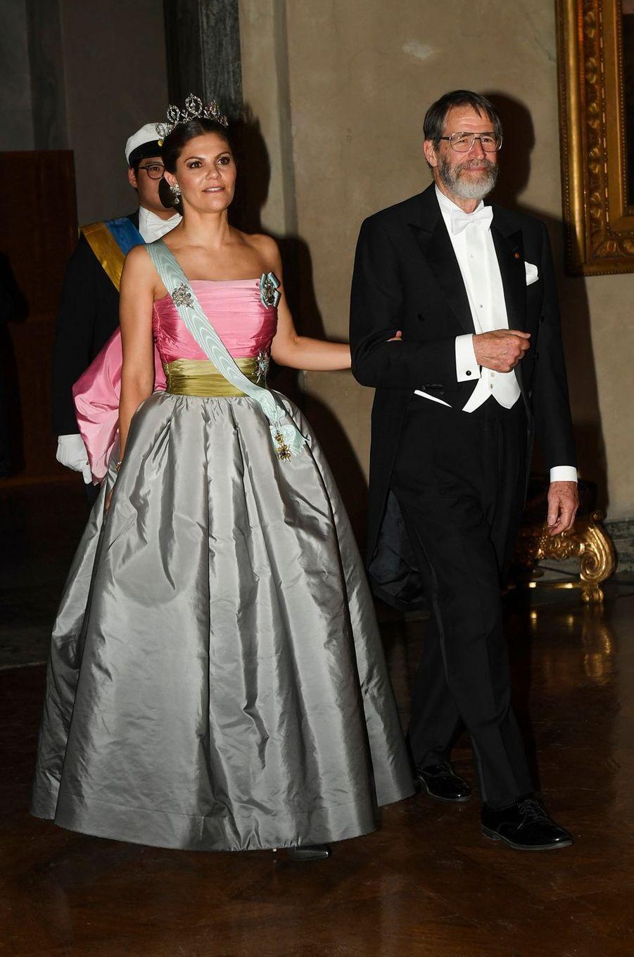 La princesse Victoria de Suède dans une robe Nina Ricci, le 10 décembre 2018