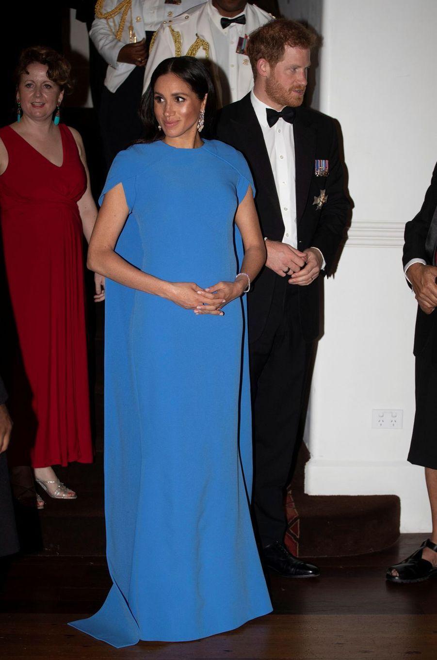Meghan Markle, la duchesse de Sussex, dans une robe Safiyaa, le 23 octobre 2018