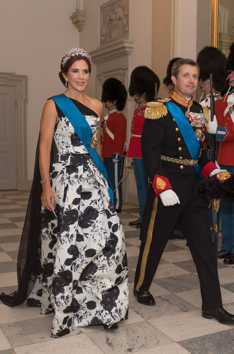 La princesse Mary de Danemark dans une robe Lasse Spangenberg, le 28 août 2018