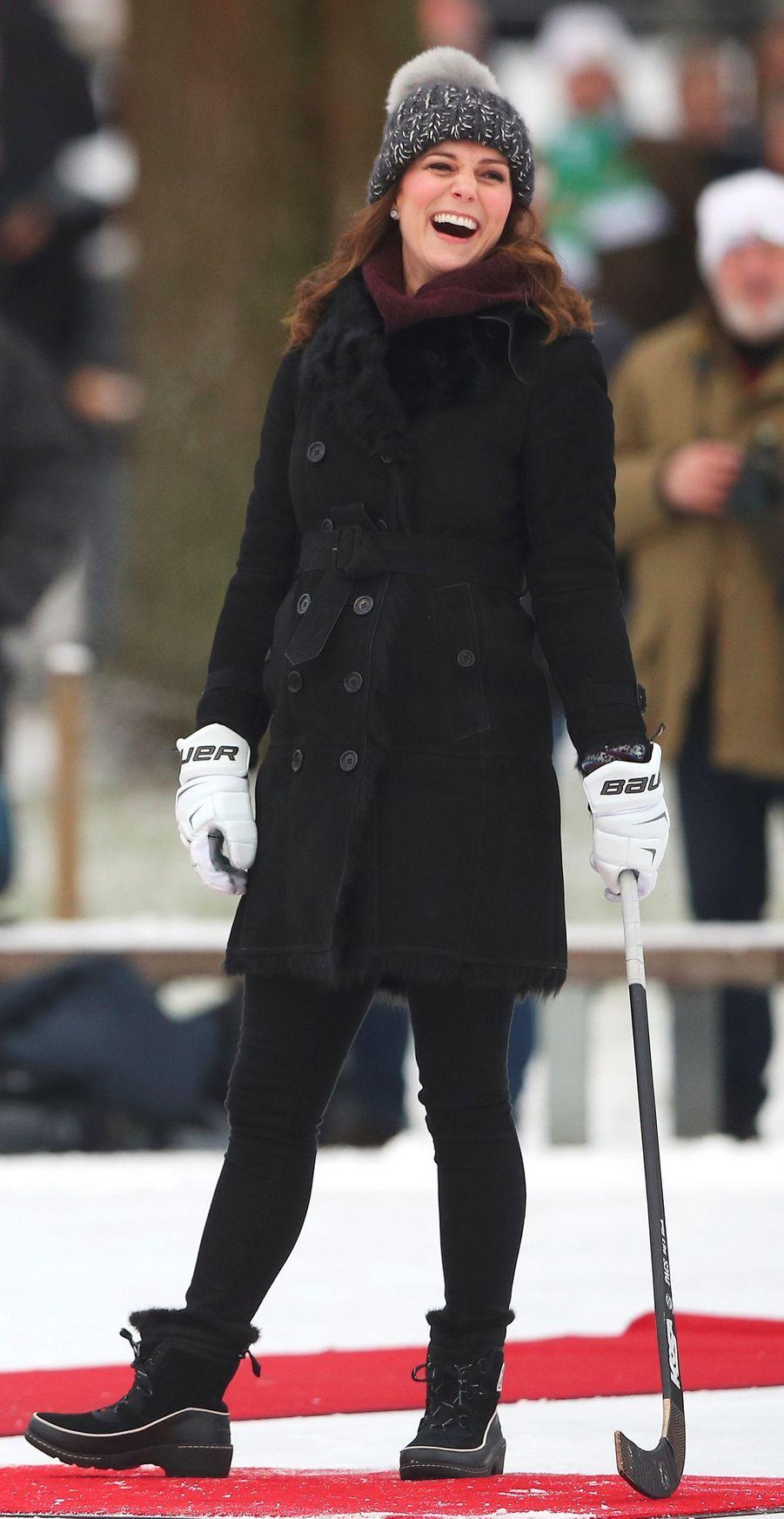 Kate Middleton dans un manteau Burberry, le 30 janvier 2018