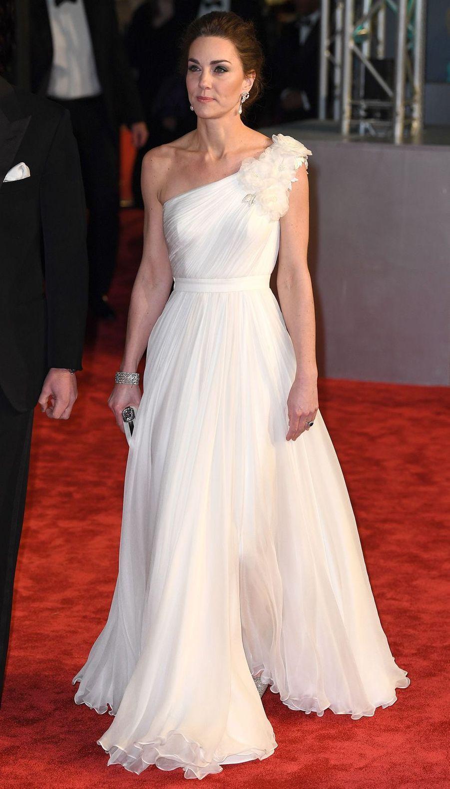 La duchesse de Cambridge, Kate Middleton, dans une robe Alexander McQueen, le 10 février 2019 à Londres