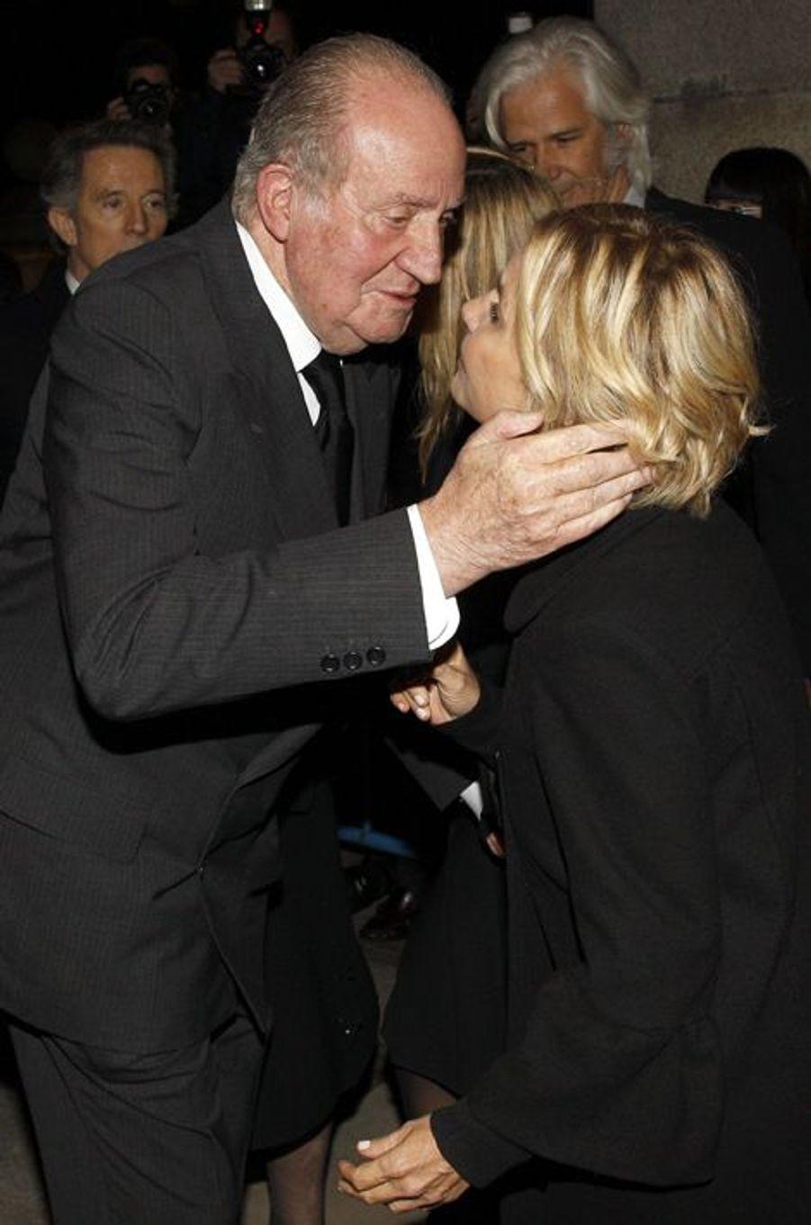 L'ex-roi d'Espagne Juan Carlos et Eugenia, fille de Cayetana, à Madrid, le 15 décembre 2014