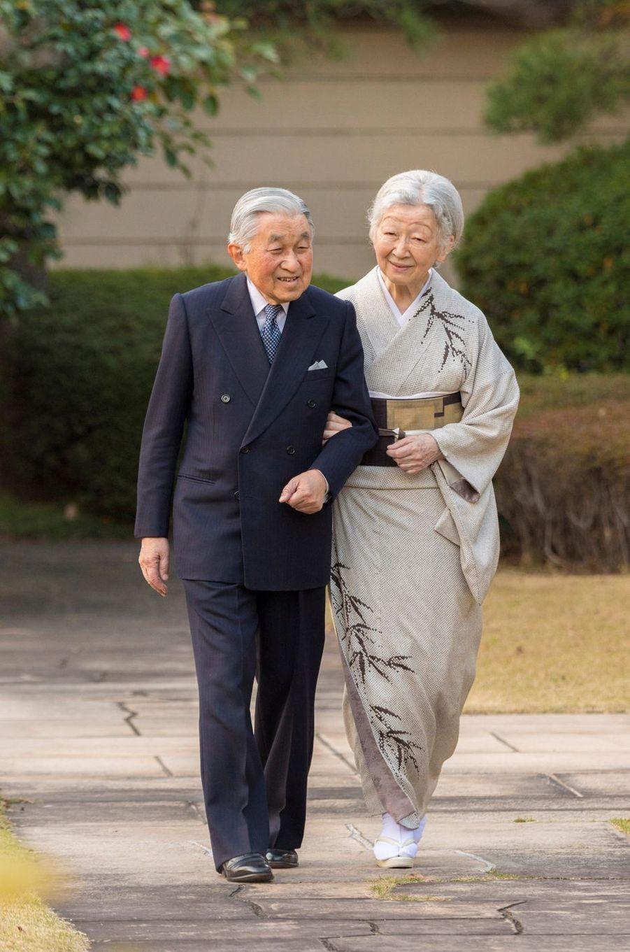 L'empereur Akihito et l'impératrice Michiko du Japon à Tokyo, le 10 décembre 2018. Photo diffusée pour les 85 ans d'Akihito le 23 décembre 2018