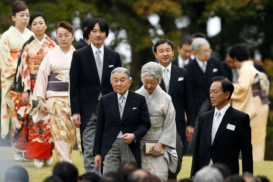 L'empereur Akihito du Japon et l'impératrice Michiko et la famille impériale à garden-party d'automne dans le Jardin impérial d'Akasaka...