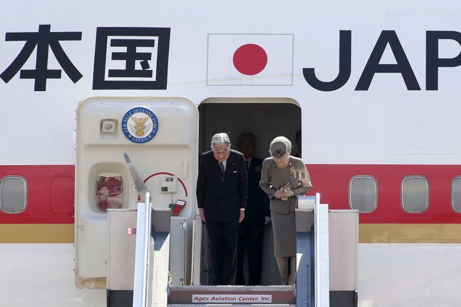 L'empereur Akihito et l'impératrice Michiko quittent Manille, le 30 janvier 2016