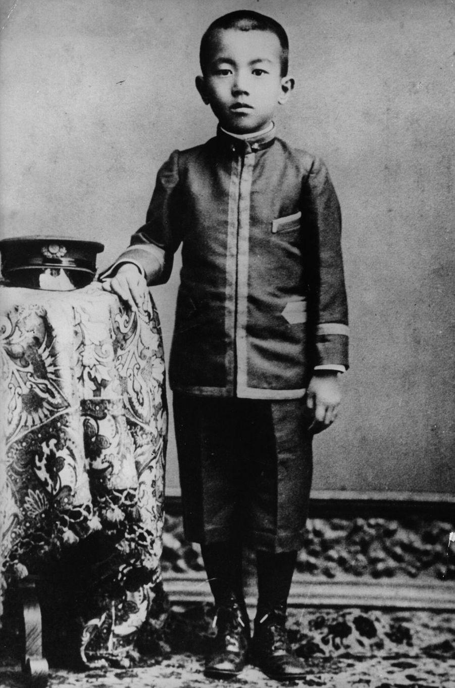Le prince Hirohito du Japon, en 1908