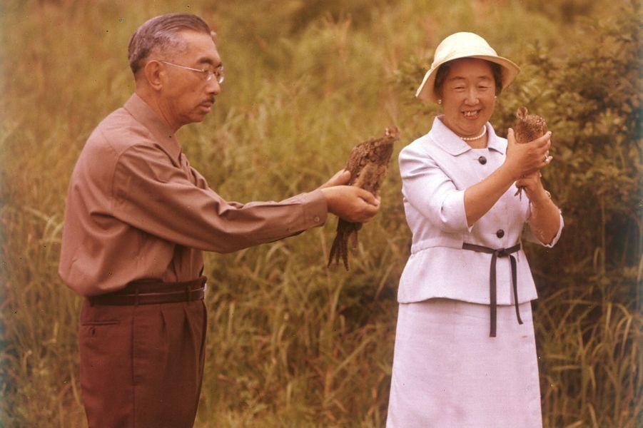 L'empereur Hirohito du Japon avec l'impératrice Nagako, en 1972