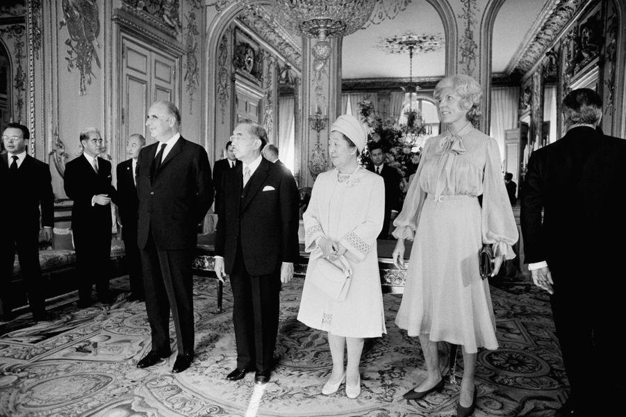 Le prince Hirohito du Japon avec le président Georges Pompidou, le 1er octobre 1971