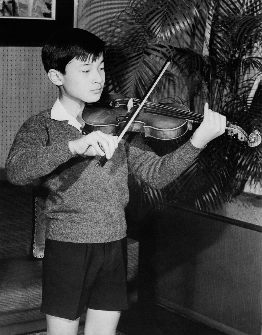 Le prince Naruhito du Japon, en février 1972