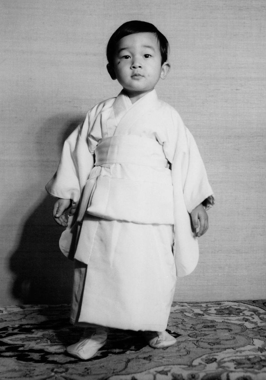 Le prince Naruhito du Japon. Photo diffusée pour ses 2 ans, le 23 février 1962