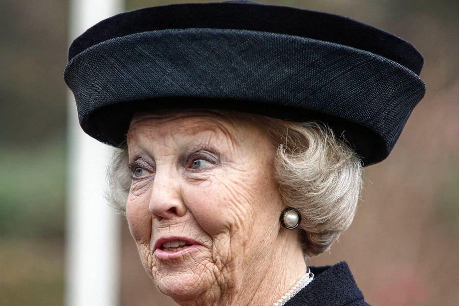 La princesse Beatrix des Pays-Bas assiste au 5ème Congrès national sur les soins palliatifs à Lunteren, le 28 novembre 2014