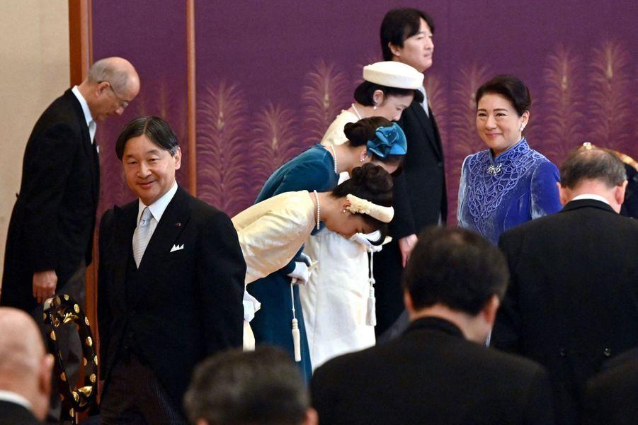 L'impératrice Masako et l'empereur Naruhito du Japon avec le prince Akishino et les princesses Kiko, Mako et Kako au Palais impérial à Tokyo, le 14 janvier 2020