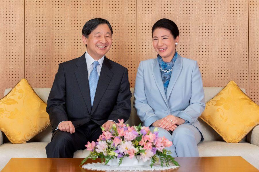 L'empereur Naruhito du Japon avec sa femme l'impératrice Masako, à Tokyo le 12 février 2020. L'un des portraits diffuséspour son 60e anniversaire le 23 février 2020