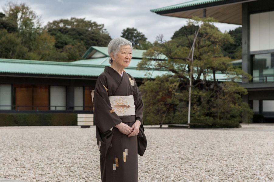 L'impératrice Michiko du Japon en kimono au Palais impérial à Tokyo, le 12 octobre 2018
