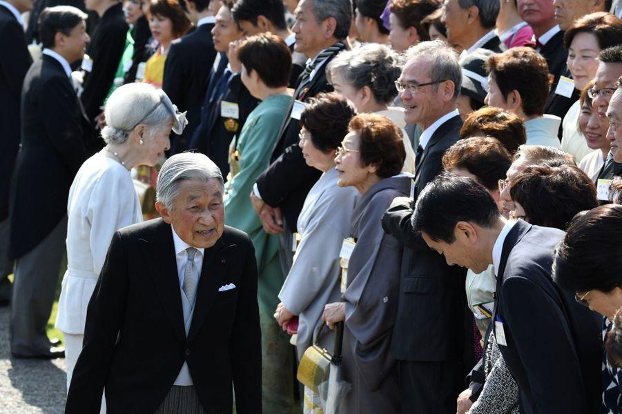 L'impératrice Michiko et l'empereur Akihito du Japon à Tokyo, le 25 avril 2018