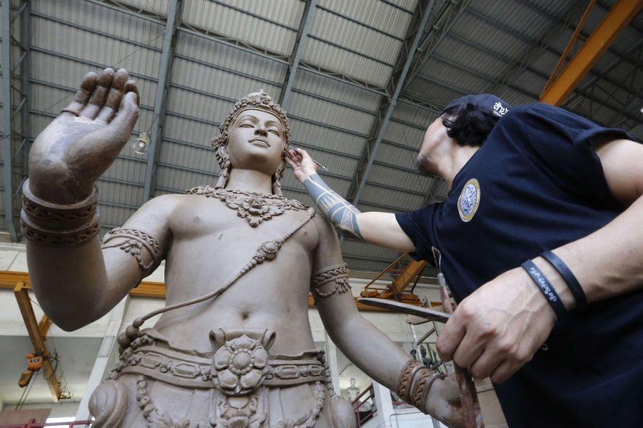 Préparatifs pour les obsèques de l'ancien roi de Thaïlande Bhumibol Adulyadej, à Bangkok le 5 avril 2017