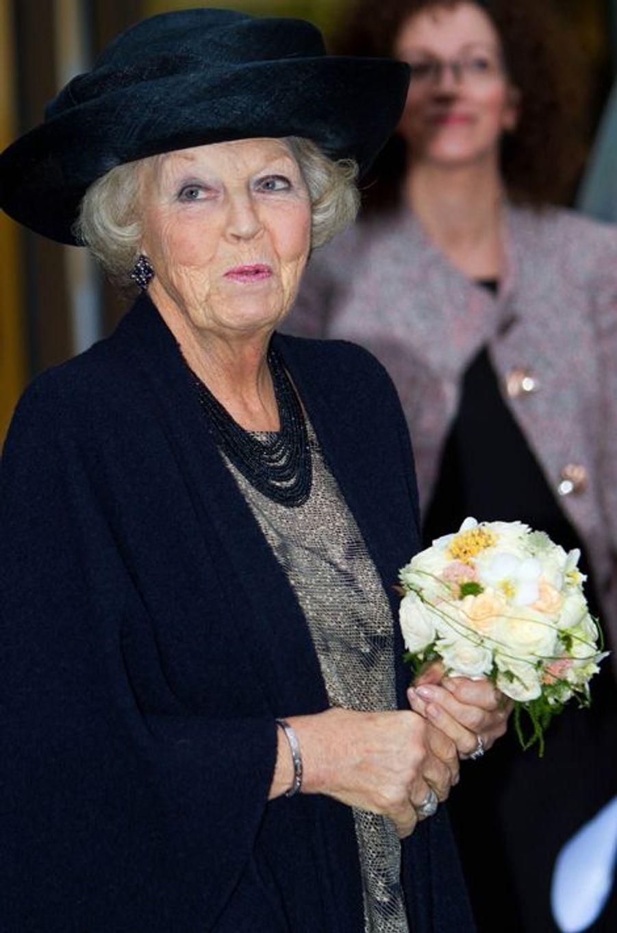 La princesse Beatrix des Pays-Bas inaugure une maison de soins à Eindhoven, le 29 octobre 2014