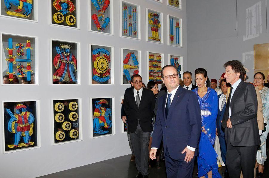 La princesse du Maroc Lalla Meryem visite l'exposition «Le Maroc contemporain» à l'Institut du monde arabe à Paris, le 14 octobre 2014