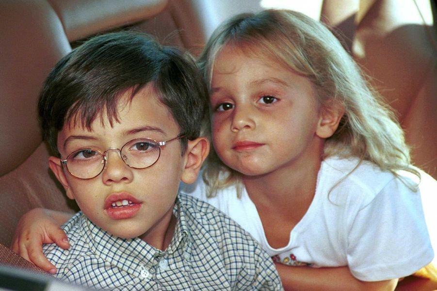 La princesse Iman de Jordanie avec son frère le prince Hussein, le 26 septembre 2000