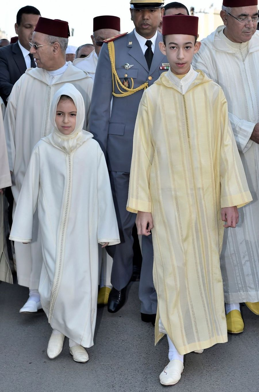 La princesse Lalla Khadija du Maroc avec son frère le prince Moulay El Hassan, le 22 janvier 2016