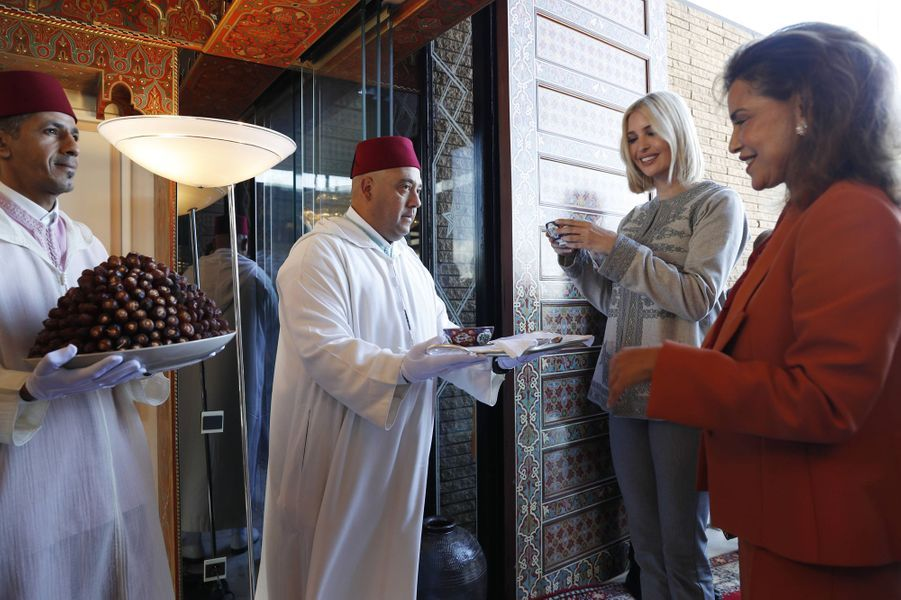 La princesse Lalla Meryem du Maroc avec Ivanka Trump lors du rituel des dattes et du lait à Rabat, le 6 novembre 2019
