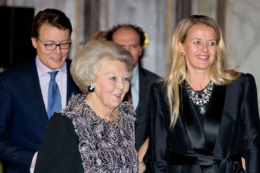 La princesses Beatrix et Mabel au prix du prince Claus à Amsterdam, le 10 décembre 2014
