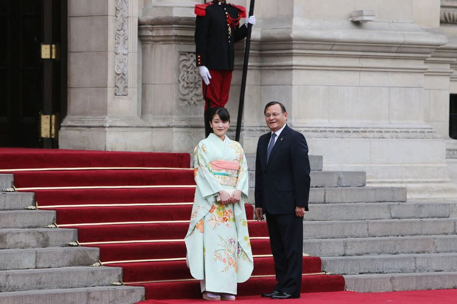 La princesse Mako du Japon avec le ministre des Affaires étrangères du Pérou à Lima, le 11 juillet 2019