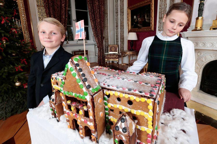Le prince Sverre-Magnus et la princesse Ingrid-Alexandra au Palais royal d'Oslo, le 17 décembre 2014