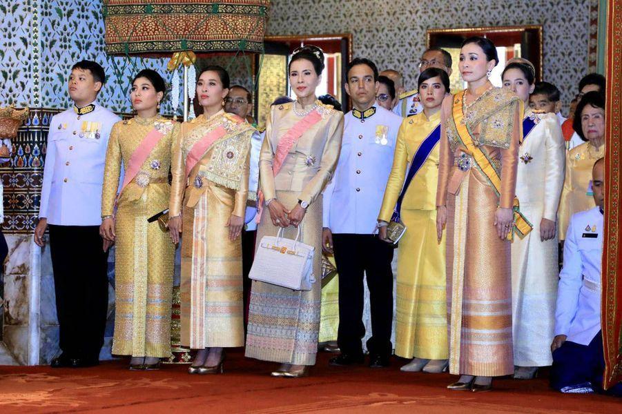 La princesse Sirivannavari Nariratana de Thaïlande avec la famille royale à Bangkok, le 4 mai 2019