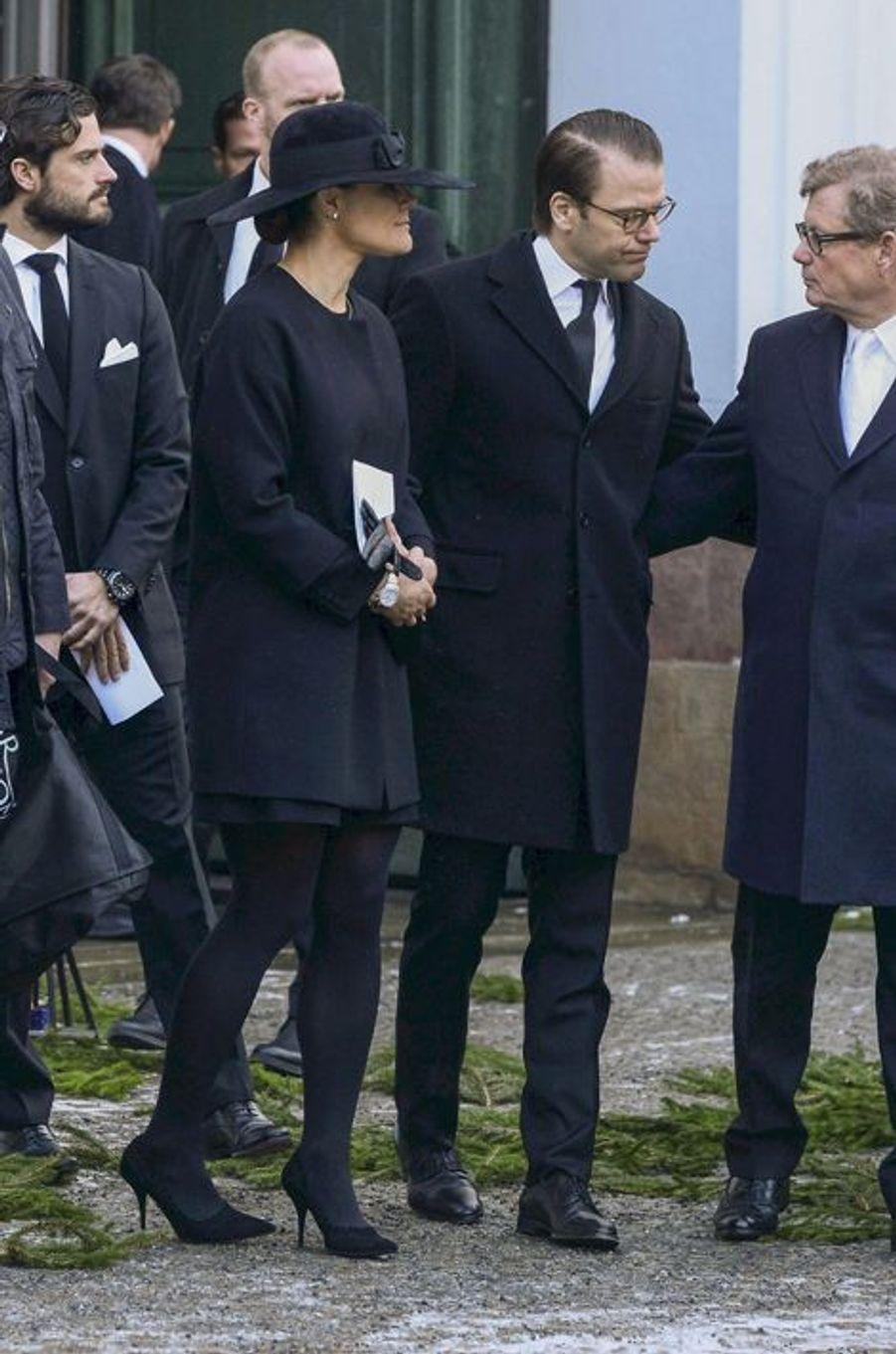 La princesse Victoria et les princes Daniel et Carl Philip à l'office pour Peter Wallenberg à Stockholm, le 4 février 2015