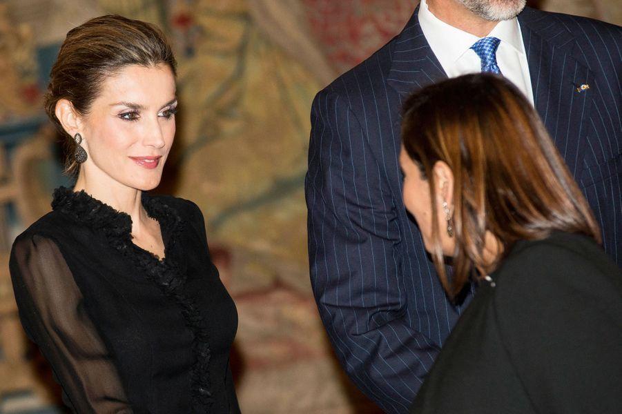 La reine Letizia d'Espagne au dîner offert par la présidente du Chili Michelle Bachelet à Madrid, le 30 octobre 2014