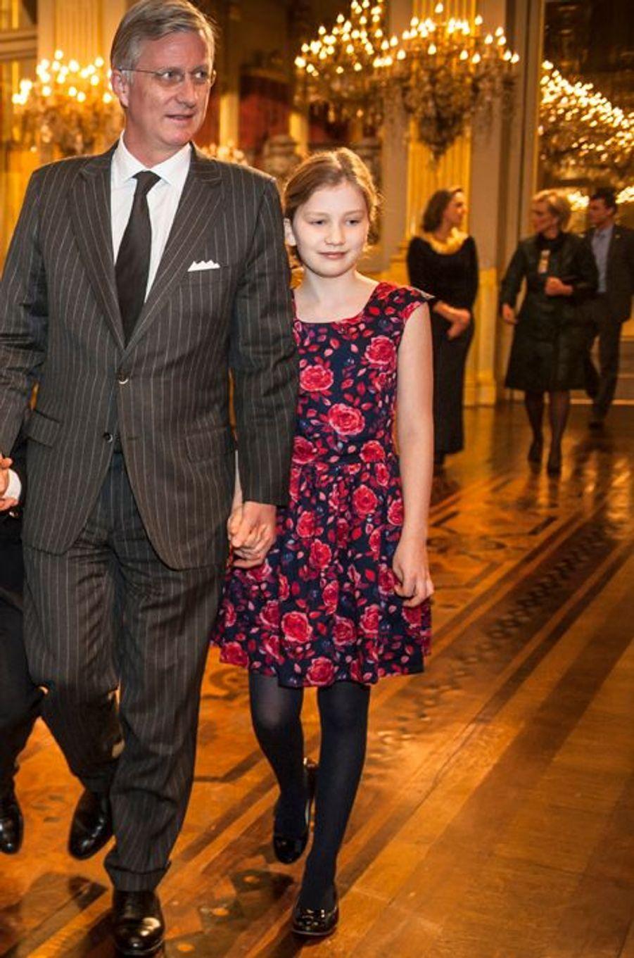 Le roi Philippe de Belgique et la princesse héritière Elisabeth à Bruxelles, le 17 décembre 2014