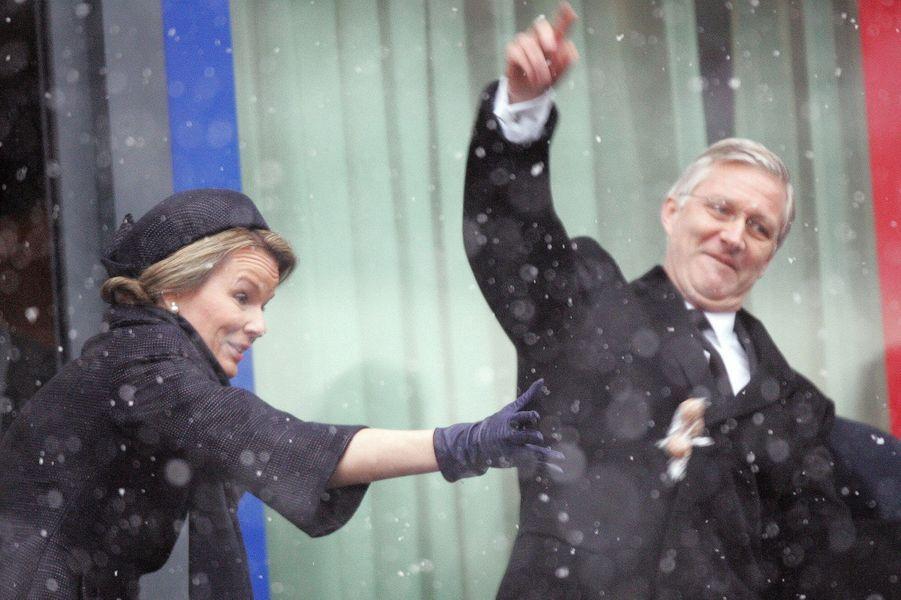 Le roi Philippe de Belgique et la reine Mathilde à Bastogne, le 13 décembre 2014