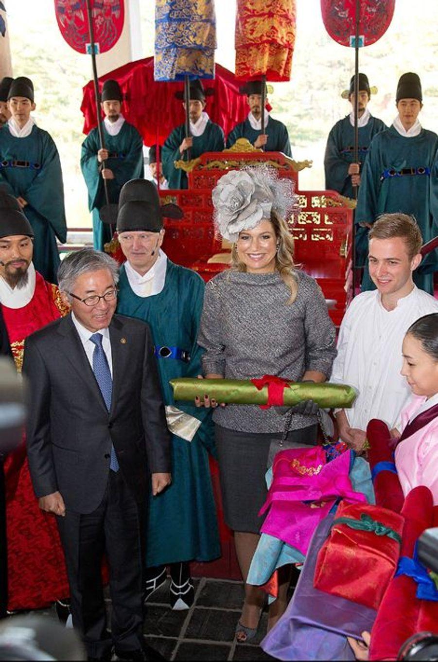 Le roi Willem-Alexander des Pays-Bas et la reine Maxima à Séoul, le 4 novembre 2014