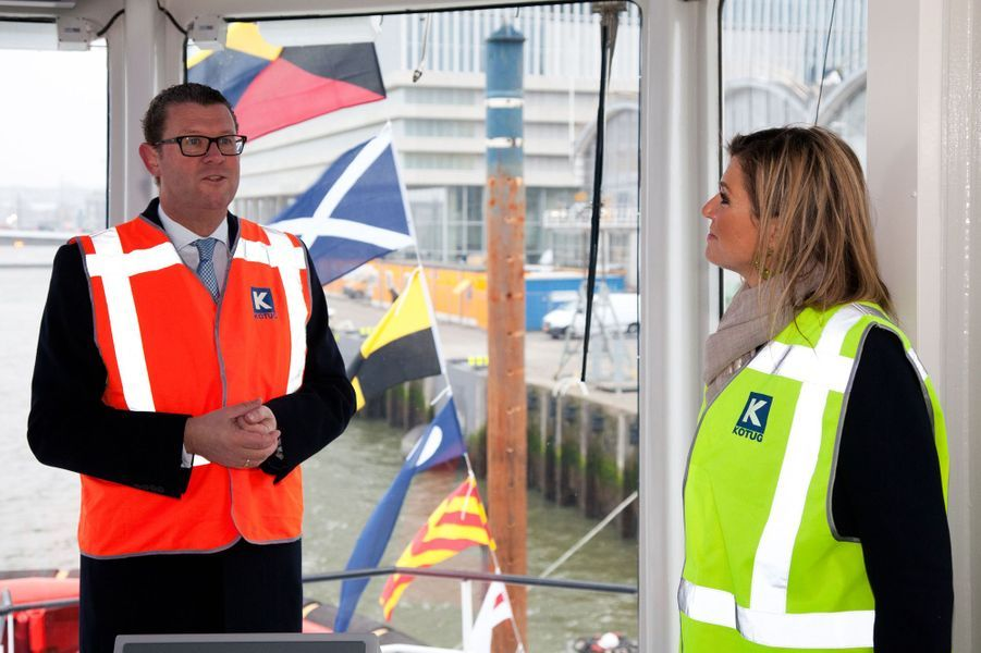 La reine Maxima des Pays-Bas sur le remorqueur hybride de Kotug à Rotterdam, le 3 décembre 2014