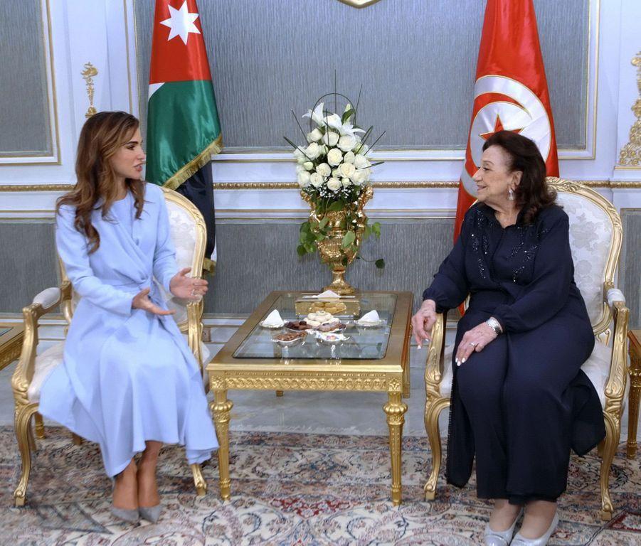 La reine Rania de Jordanie avec la Première dame de Tunisie à Tunis, le 3 février 2019