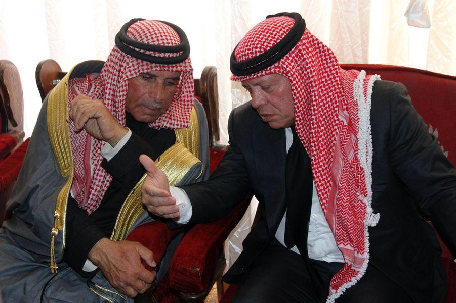 12 Le Roi Abdallah De Jordanie Avec Safi, Le Père Du Pilote Tué Par Daech