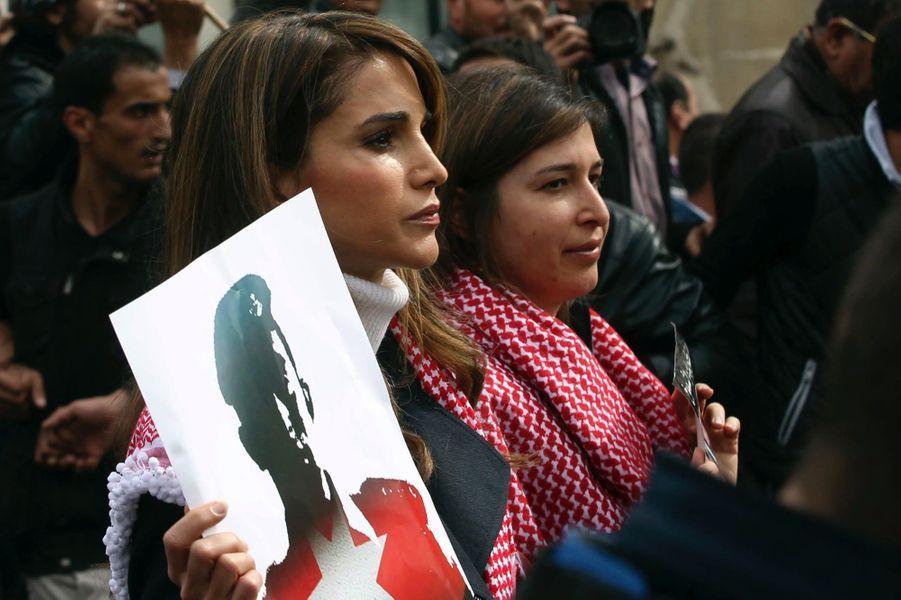 5 La Reine Rania De Jordanie Défile En Mémoire Du Pilote Maaz Al Kassasbeh, Brulé Vif Par Daech