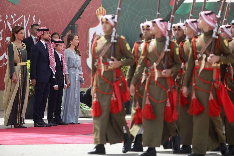 La reine Rania de Jordanie avec les princes Hussein et Hashem et la princesse Salma à Amman, le 25 mai 2019