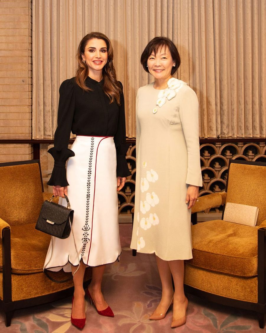 La reine Rania de Jordanie avec Akie Abe à Tokyo, le 27 novembre 2018