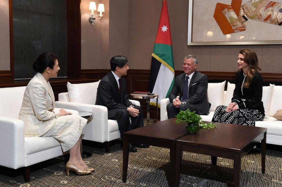 La reine Rania et le roi Abdallah II de Jordanie avec la princesse Masako et le prince Naruhito du Japon à Tokyo, le 26 novembre 2018