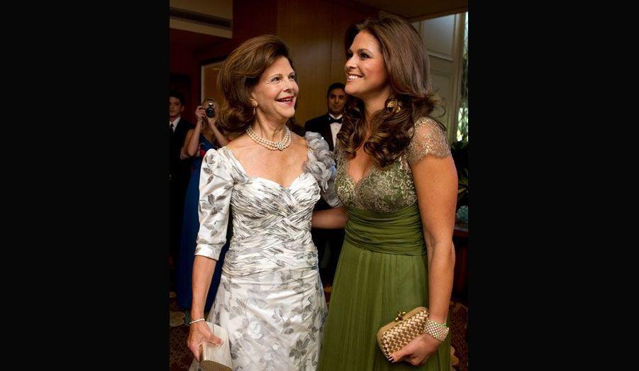 """La mère et la fille, la princesse Madeleine, se sont rejointes jeudi soir au gala de bienfaisance au profit de la """"Mentor Foundation""""."""